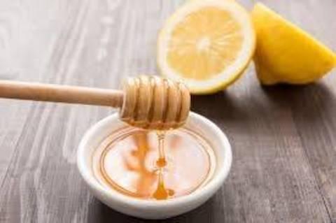 Acqua E Limone La Sera.Acqua Limone E Miele Una Sola Ricetta Tanti I Benefici Terra Nuova