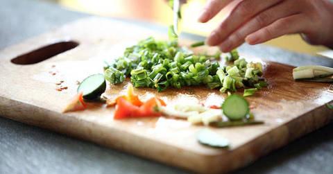 Dieta Settimanale Per Colesterolo : Colesterolo ipertensione glicemia ecco il cibo che cura terra